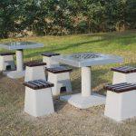 Betonowe stoły do gier